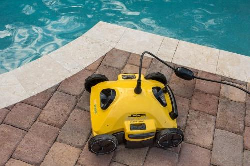 Aquabot S2-50 Robotic for Above-Ground and In-Ground
